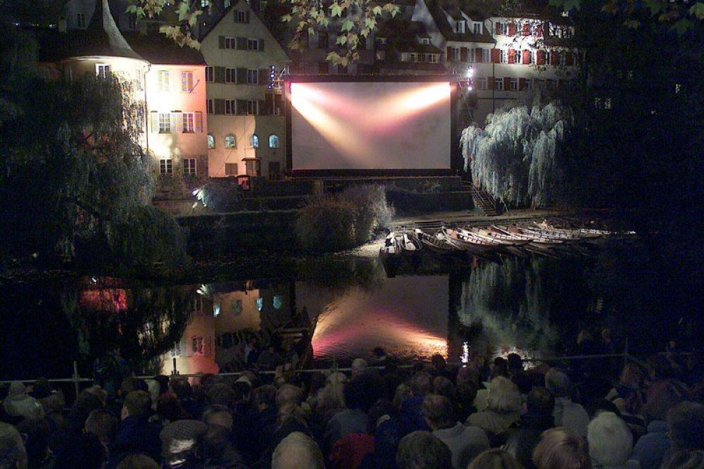 """Premiere von """"Scardanelli"""" vor dem Tübinger Hölderlin-Turm"""